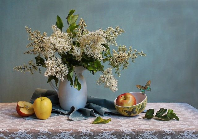 flowers_blue_red_stilllife_food_brown_white_color-850876